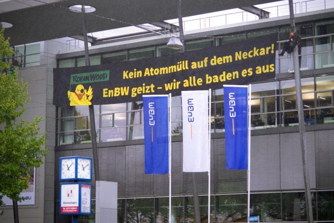 Kein Castor auf dem Neckar! Aktion bei der JHV der EnBW 2017. Quelle T. christensen / Robin Wood